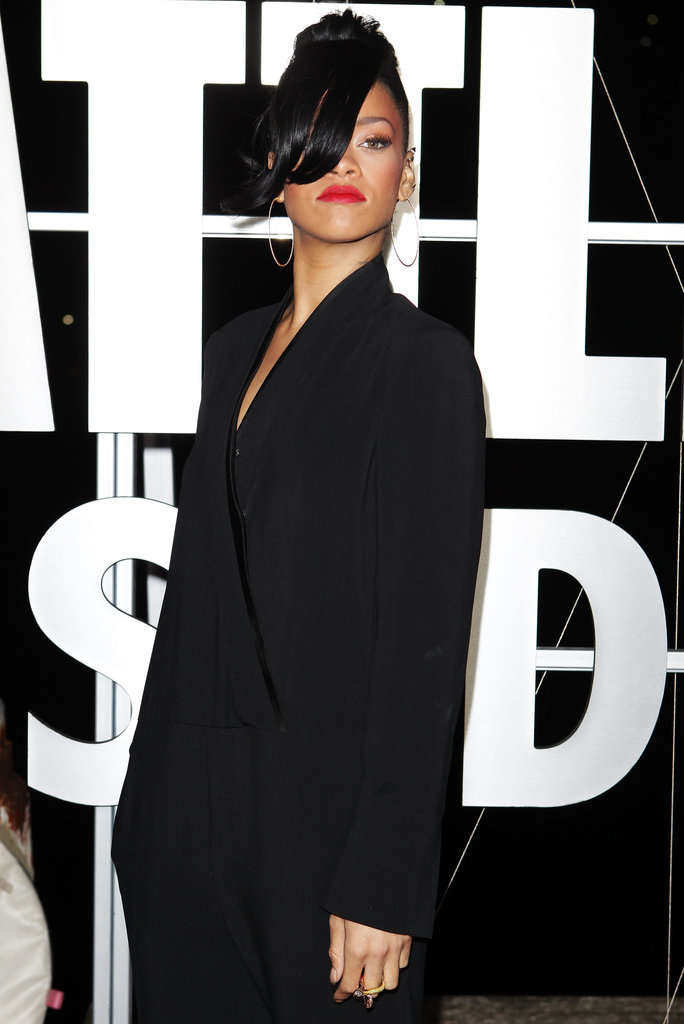 Rihanna wore bright red lips to the Battleship premiere in Sydney.
