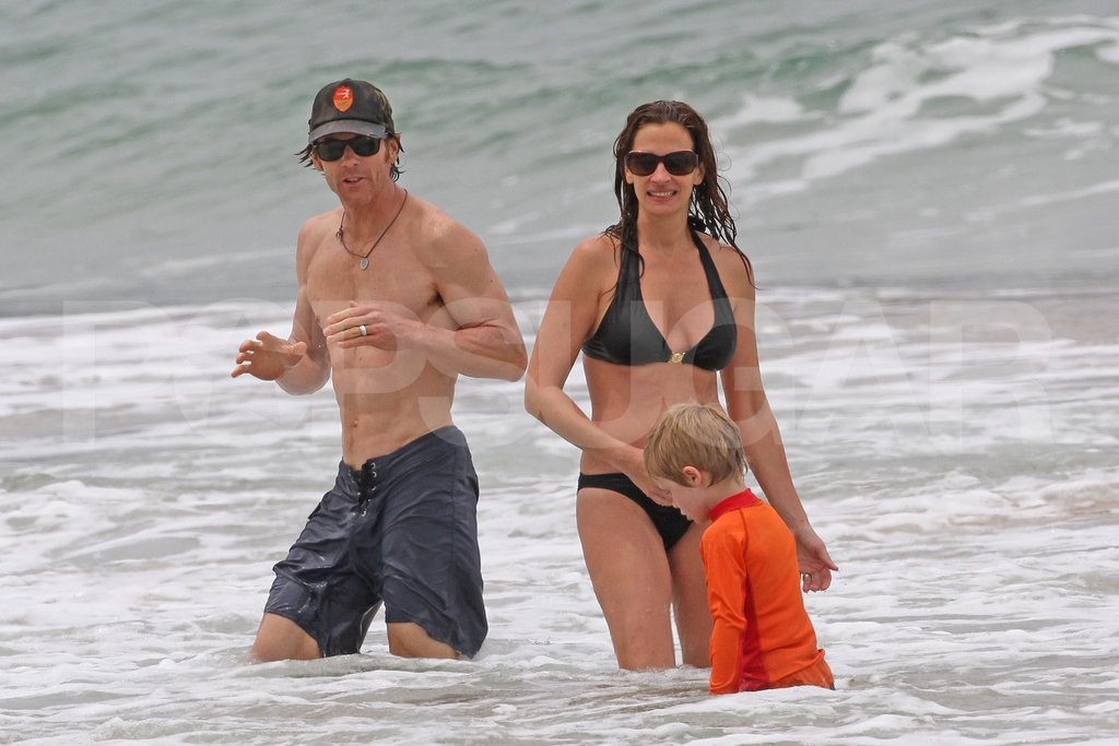 Julia Roberts wore a bikini in Hawaii.