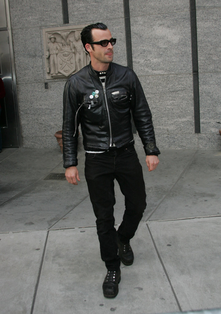 Justin Theroux wore his trademark black leather ensemble to the third annual Tribeca Film Festival for the Stage Beauty premiere in May 2004.