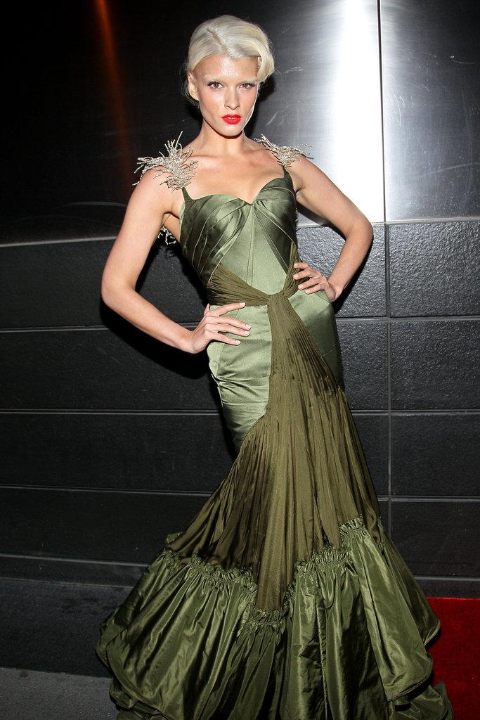 Crystal Renn showed off her platinum 'do with an equally dramatic moss green gown from Zac Posen.