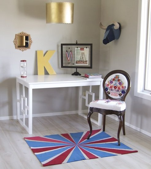 Find out how to transform a plain Ikea table into a chic new desk.  Source: Matsutake Blog