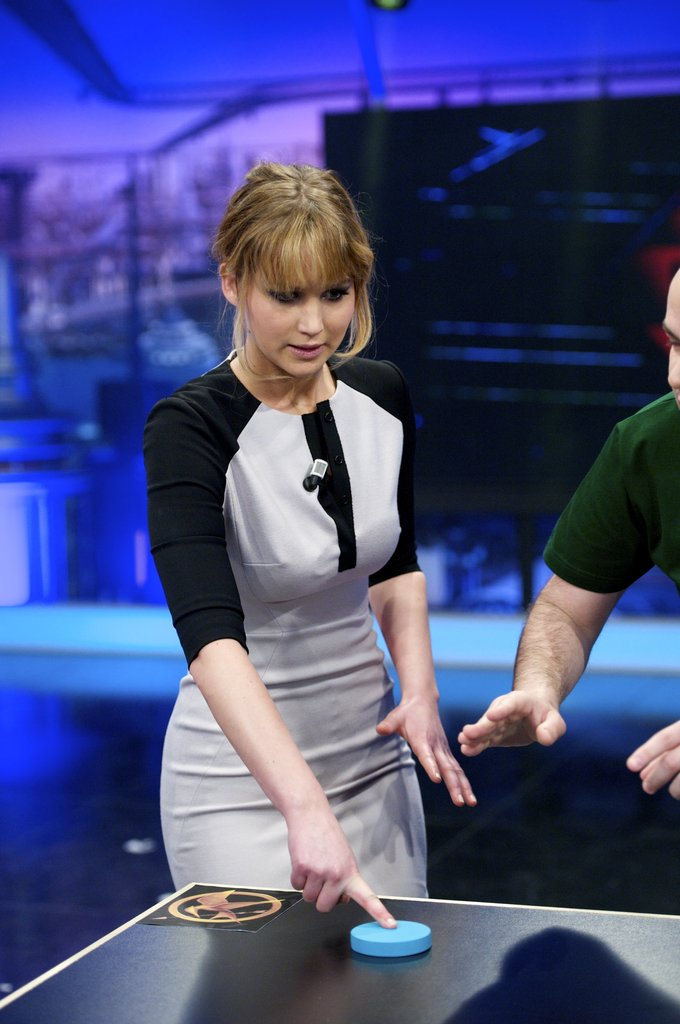Jennifer Lawrence participated in another game on the El Hormiguero show.