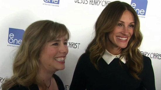 "Video: Julia Roberts and Big Sister ""Take Turns Being the Boss"""