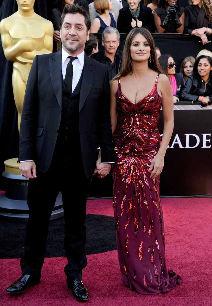 Penélope Cruz flaunted her postbaby body at the February 2011 Oscars in LA, wearing a low-cut, fitted gown just weeks after giving birth to son Leo.