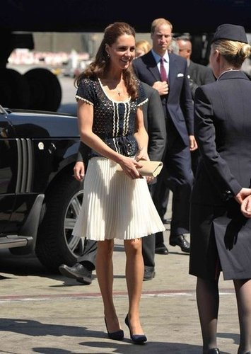 Kate chose a girlie crochet top and pleated skirt — both by Whistles — for her North American tour.