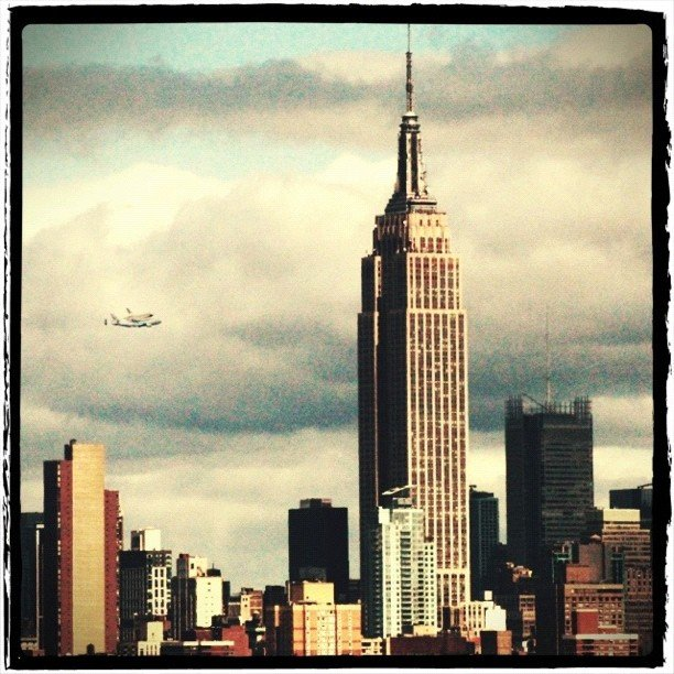 The space shuttle Enterprise and the Empire State Building.  Source: Instagram User lica_w