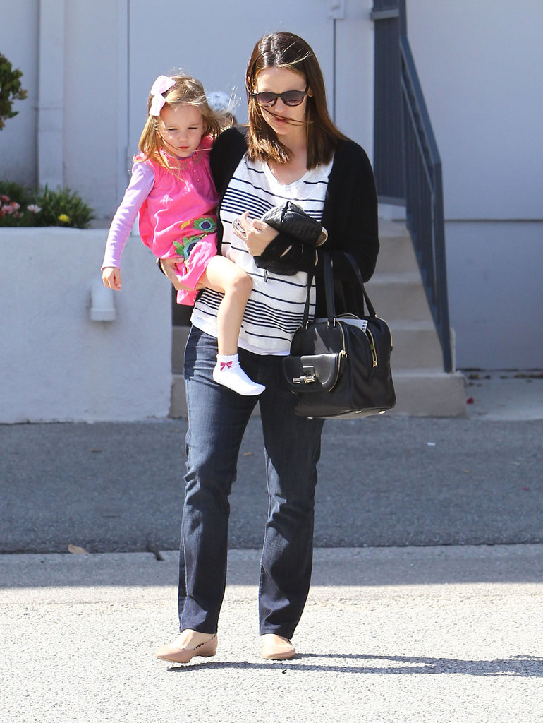 Jennifer Garner Gets Back to Her Girls For the Weekend