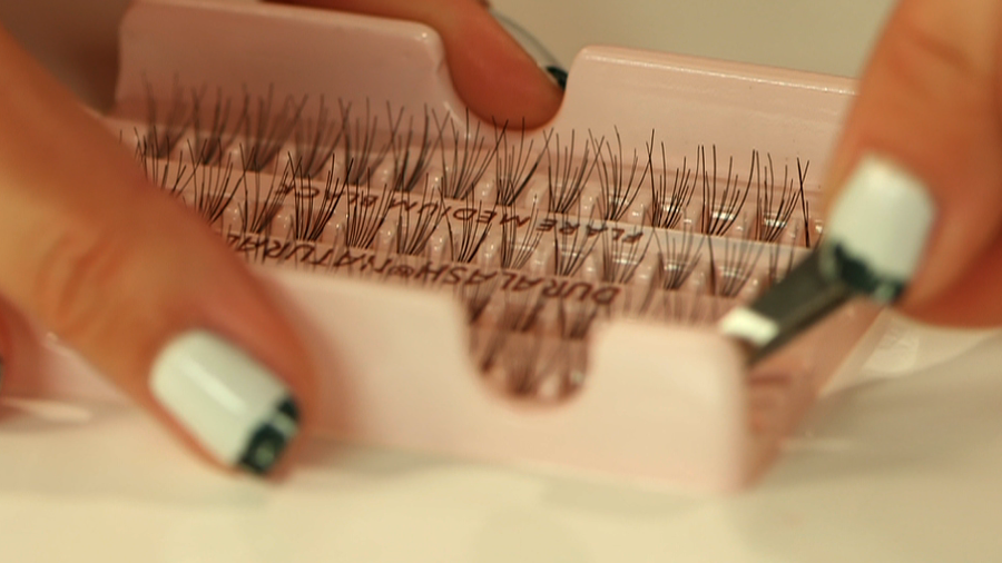 Picture-Perfect Lashes Without Clumpy Mascara
