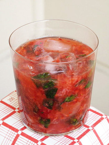 For High School Grads: Strawberry-Ginger Spritzer