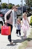 Jennifer Garner walked home with daughters Seraphina Affleck and Violet Affleck in LA.