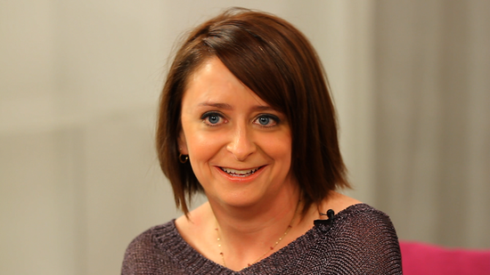 "Rachel Dratch Talks Her New Memoir and the ""Life Plot Twist"" That Made Her a Mom at 44"