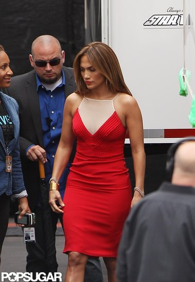 Jennifer Lopez stepped out onto the American Idol set in a curve hugging red dress.
