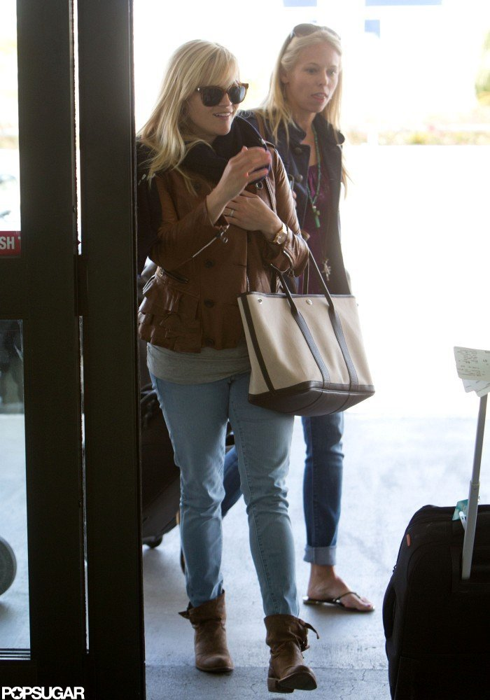 Reese Witherspoon and Baby-to-Be Take Off From LAX