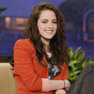 Kristen Stewart Wears Flat Shoes And Talks Twilight: Breaking Dawn Part 2 On The Tonight Show With Jay Leno