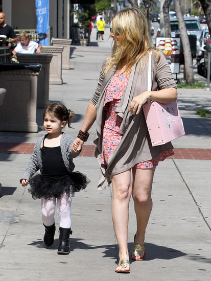 Sarah Michelle Gellar walked daughter Charlotte to ballet class in LA.
