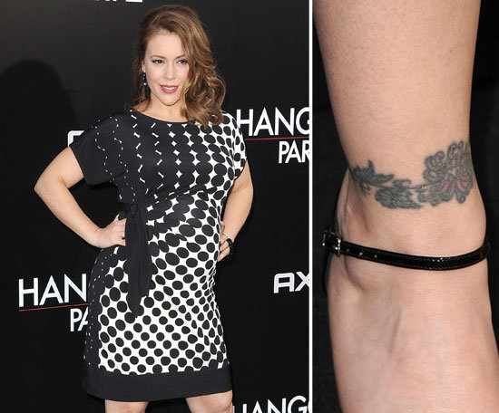 Alyssa Milano sports a chain of roses around her right ankle.