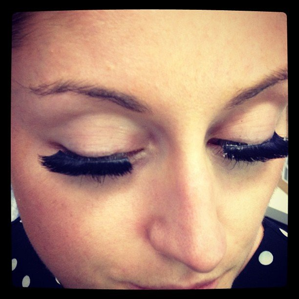 BellaSugar ed Sarah trialled Katy Perry lashes by Eylure.
