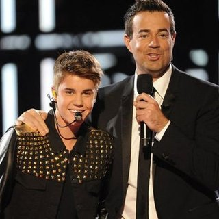 Justin Bieber on The Voice (Video)