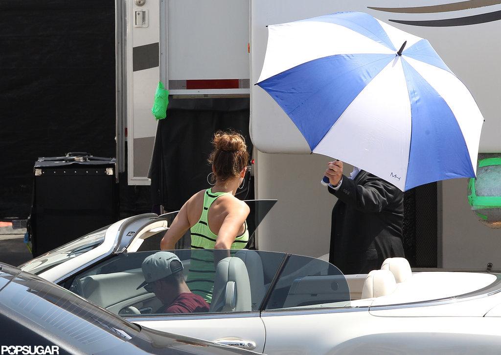 Jennifer Lopez Sparkles on Idol as Ryan Secreast Pulls a Marriage Prank