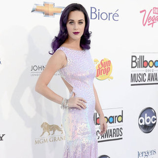Billboard Music Awards Red Carpet Dress Pictures 2012