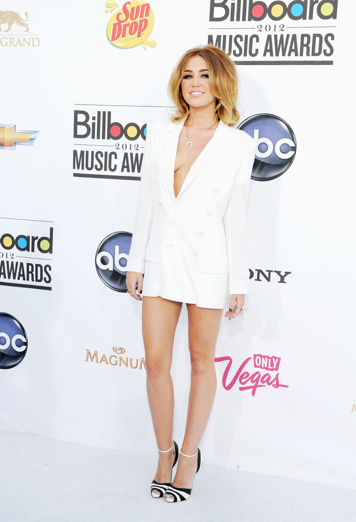 Miley Cyrus Goes Pantless in a White Hot Blazer at Billboard Awards