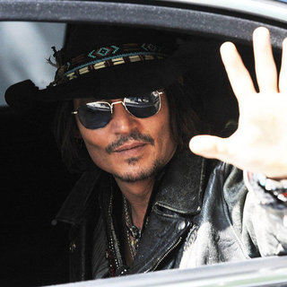 Johnny Depp Dark Shadows Press Pictures in Japan
