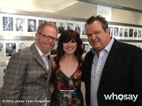 Jesse Tyler Ferguson and Eric Stonestreet posed with Kelly Clarkson.  Source: Jesse Tyler Ferguson on WhoSay
