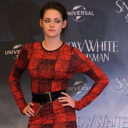 Kristen Stewart and Charlize Theron Pictures at Snow White Photo Call in Germany