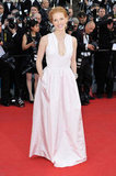 Jessica Chastain opted for simple elegance in a light pink Alexander McQueen dress, complete with pockets.
