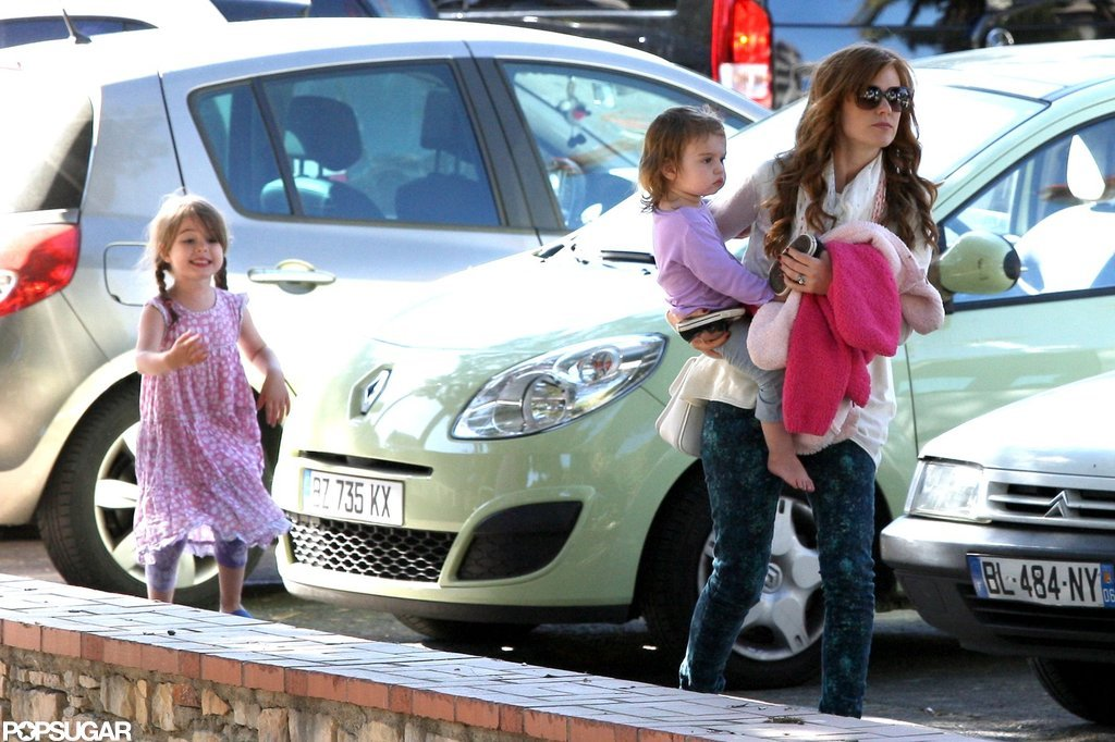 Isla Fisher headed home with Olive and Elula Cohen.