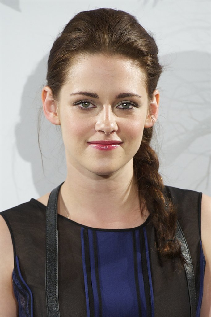 Kristen Stewart put on a smile for the Snow White and the Huntsman photocall in Madrid.