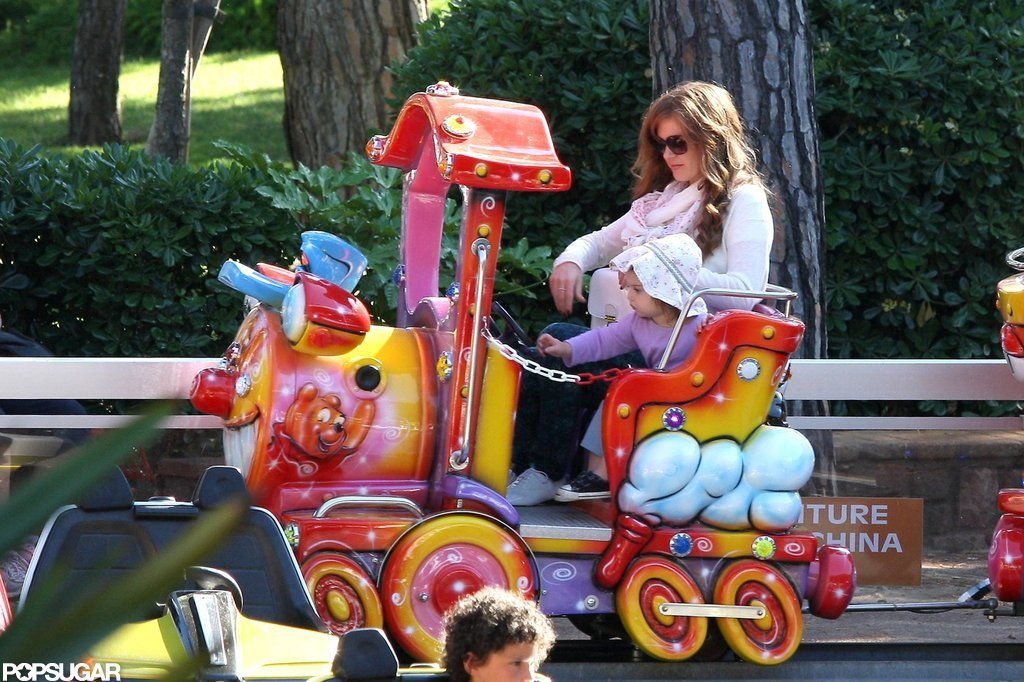 Isla Fisher played at a French park with Olive and Elula Cohen.