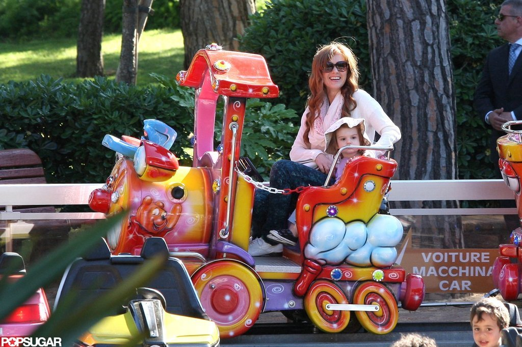 Isla Fisher played with her kids at a park.