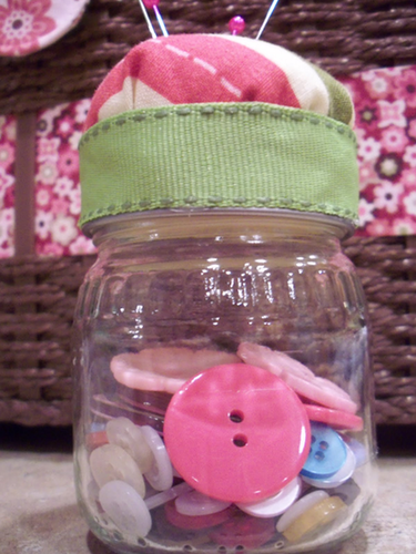 Upcycle Your Baby Food Jars Into Pincushions