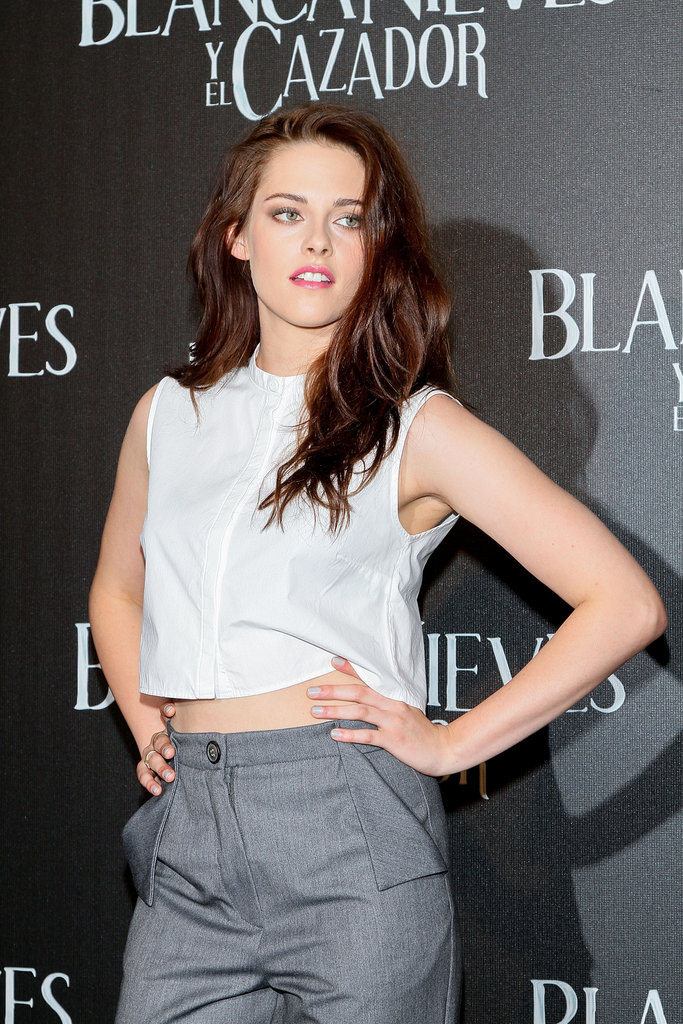 Kristen Stewart flashed her abs in Mexico City.