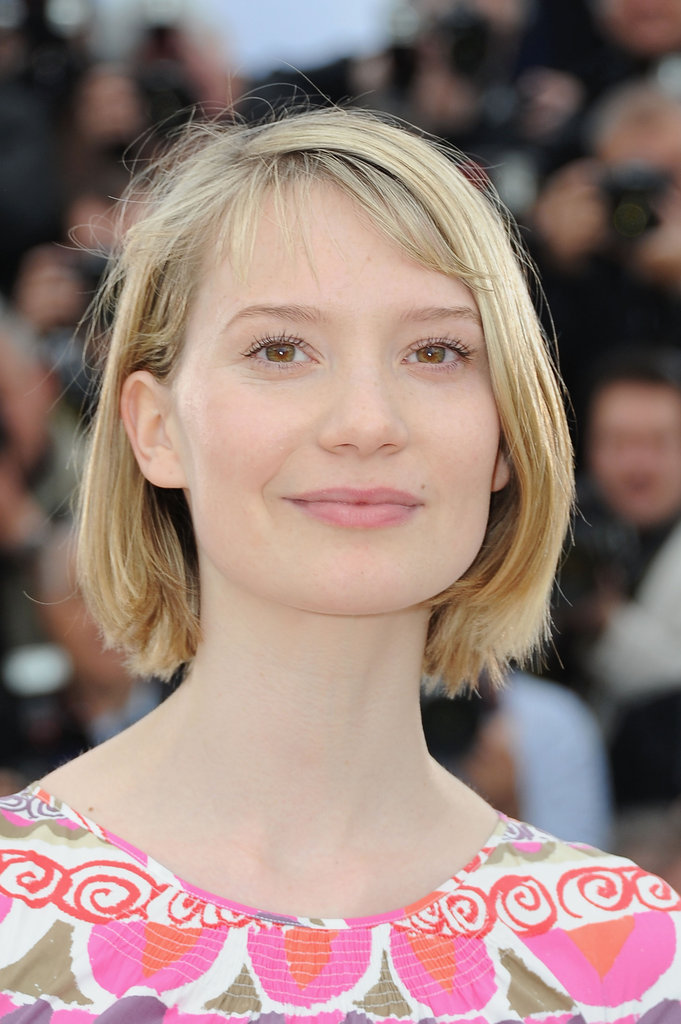 Mia Wasikowska perfected her look with a pink pout and rosy cheeks.