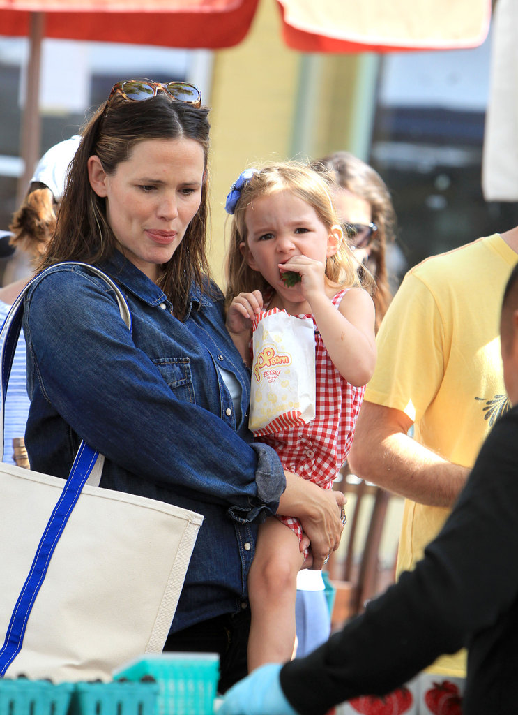 Seraphina Affleck snacked on popcorn.