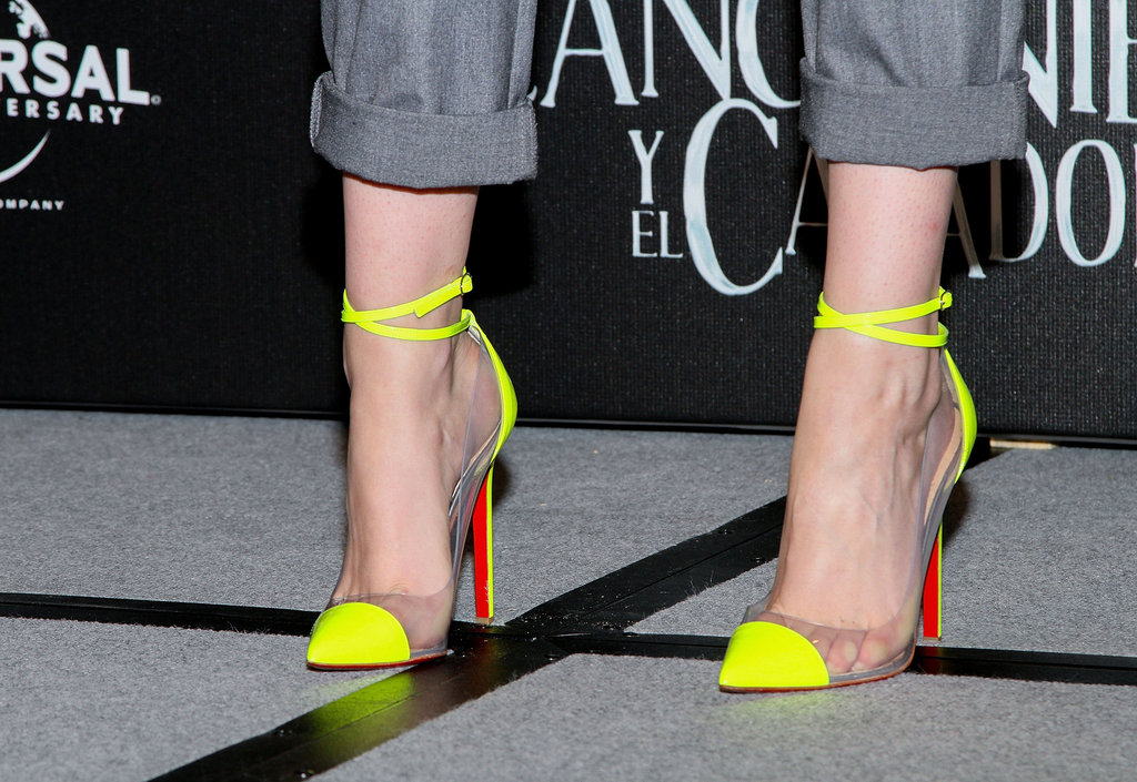 Her neon yellow and clear PVC-infused Christian Louboutin Unbout Illusion pumps proved a standout addition to her casual ensemble in Mexico City.