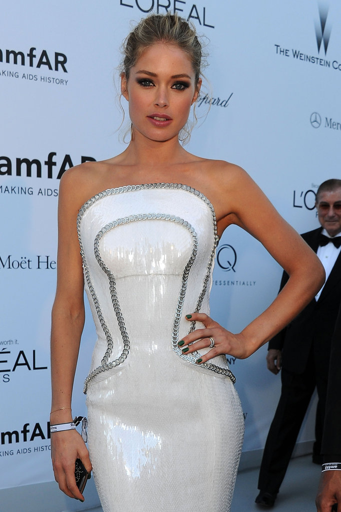 A close-up of Doutzen's futuristic chain link-embellished bodice.