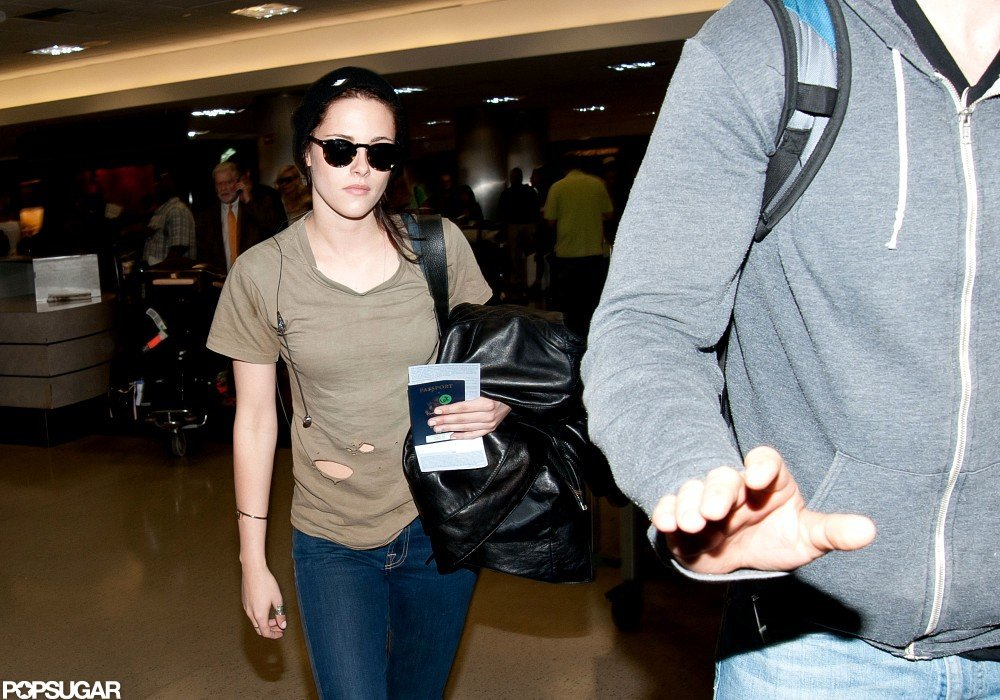 Kristen Stewart Returns Home Without Robert Pattinson