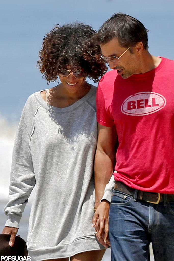 Halle Berry and Olivier Martinez shared a sweet smile as they walked together.