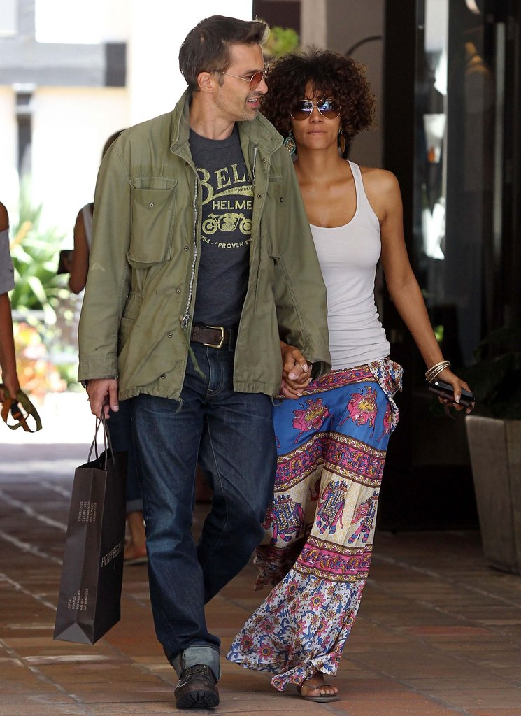 Halle Berry and Olivier Martinez did a little shopping together in Malibu.