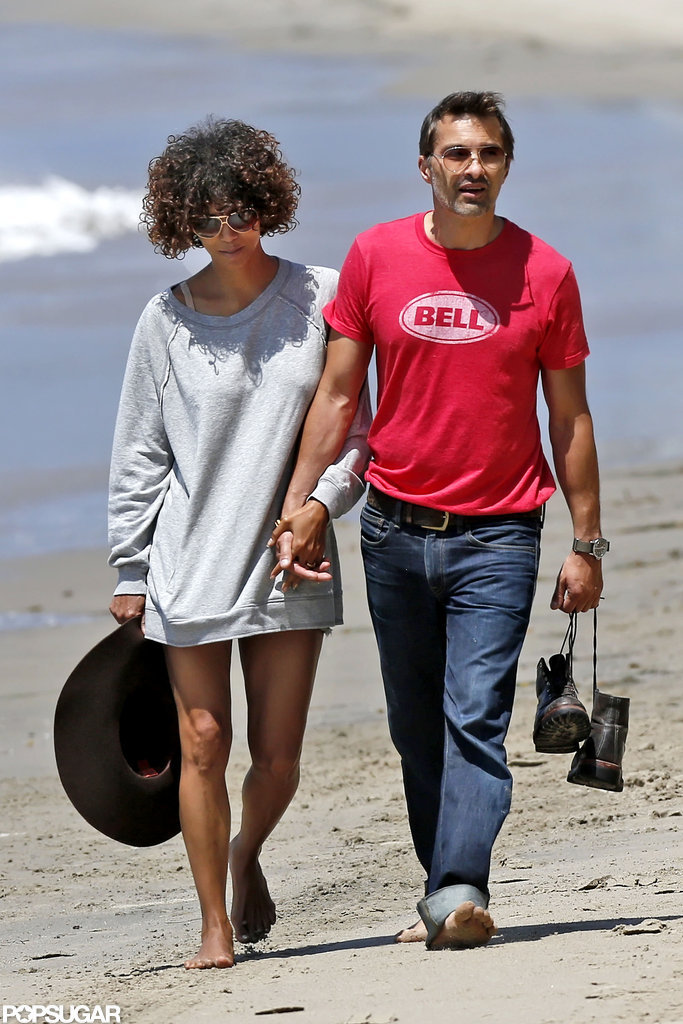 Halle Berry and Olivier Martinez looked cute together as they spent Memorial Day weekend walking on the beach.
