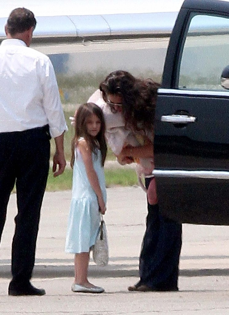 Katie Holmes and Suri Cruise caught a plane.