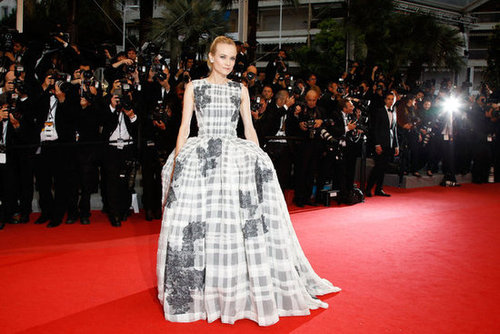 Now this is a serious Cannes glam moment. Diane wowed in a checkered Christian Dior Couture creation at the closing ceremony.