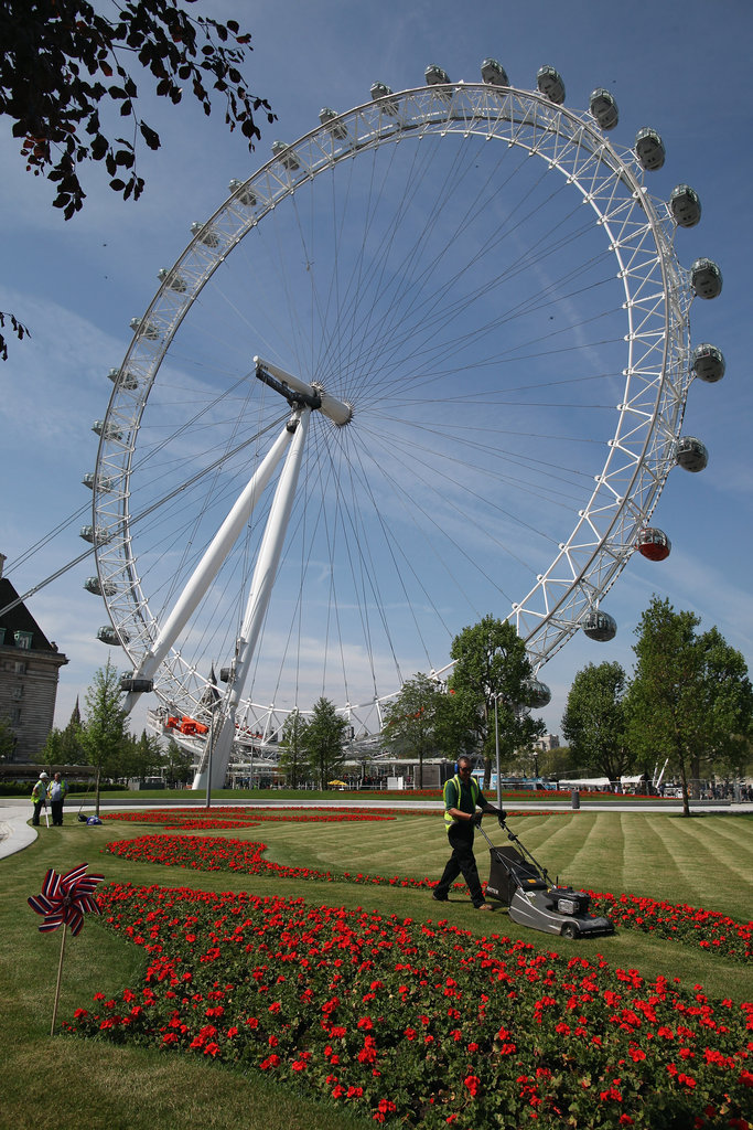 The Jubilee Gardens, which surround the London Eye Ferris wheel, got groomed before the celebrations.