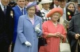 Queen Elizabeth II and her mother were a bright pair at the 1991 Epsom Derby.