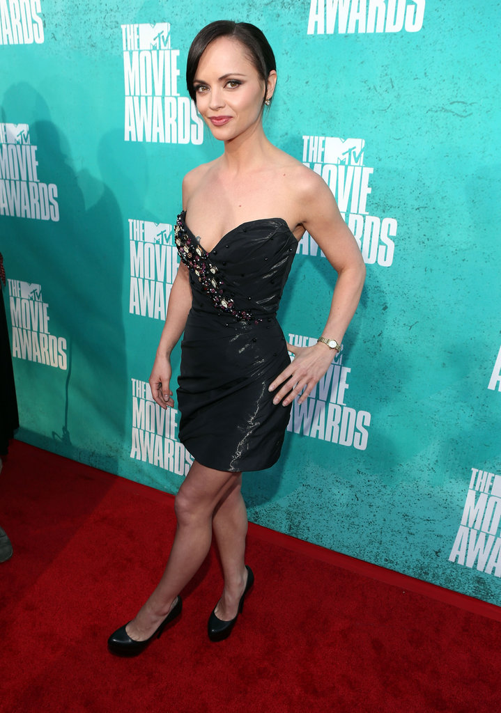 Christina Ricci posed for cameras at the 2012 MTV Movie Awards.