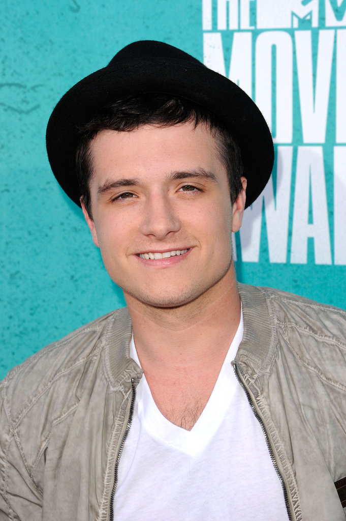 Josh Hutcherson smiled at the MTV Movie Awards.