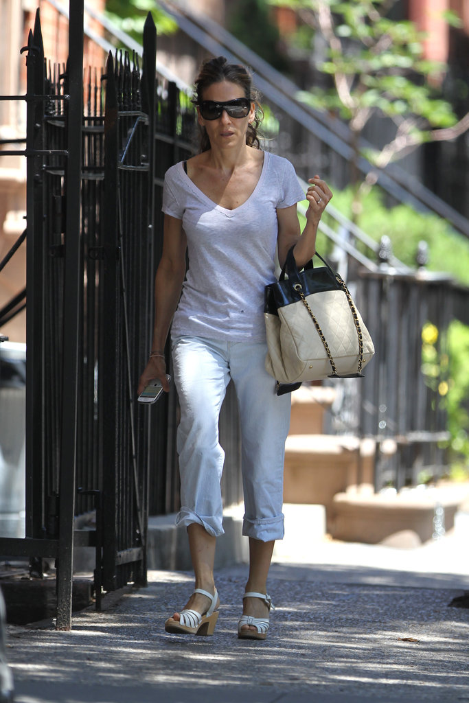Sarah Jessica Parker took to the streets of NYC with her hair pulled back in a ponytail.